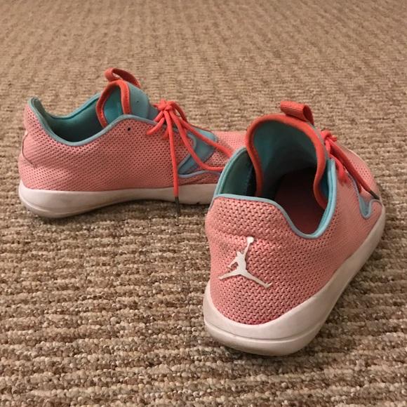 reputable site ec2ce 363af SALE Women's Air Jordan running shoes ✨ sz 7.5
